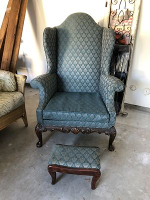 Gorgeous antique chair in fantastic shape with beautiful woodwork for Sale in La Cañada Flintridge, CA