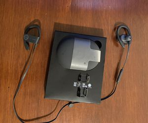 Powerbeats 3 Wireless for Sale in Clifton, VA
