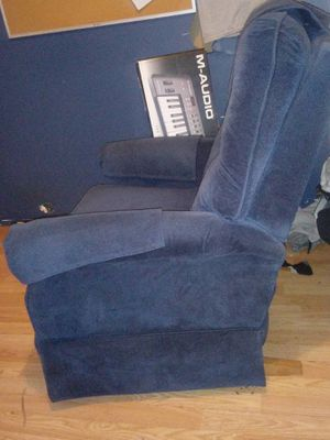 Laz boy rocker/recliner great shape for Sale in Bloomington, IL