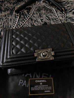 Chanel Caviar Boy Bag Black for Sale in Fresno, CA