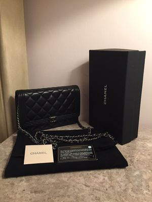 Chanel Lambskin Leather Crossbody Bag Purse Handbag for Sale in Aurora, IL