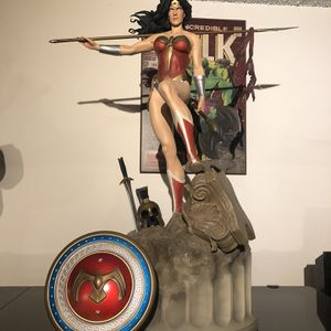 Sideshow Wonder Woman Premium Format for Sale in Los Angeles, CA