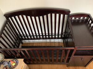 Classic Shelby Crib and Changer for Sale in Elmwood Park, IL