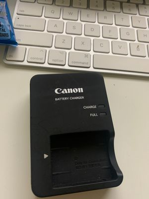 Canon battery charger for Sale in Cypress, CA