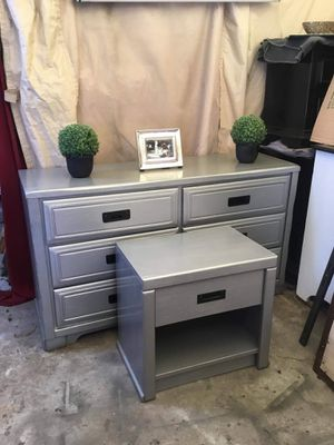 Three pieces dresser set contemporary style color silver hammered and black furniture has been refurbished! for Sale in San Diego, CA