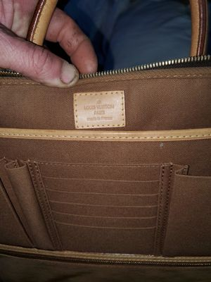 Authentic loui vuitton for Sale in Houston, TX