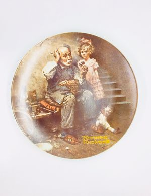 120 pcs collectible Rockwell 1970's plates for Sale in St. Petersburg, FL
