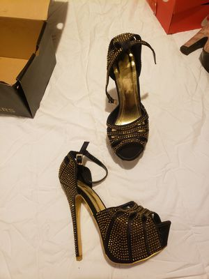 Heels Vigo Fiore size 8 for Sale in Milford, OH