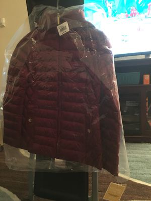 Michael kors puffer jacket for Sale in Elsmere, DE