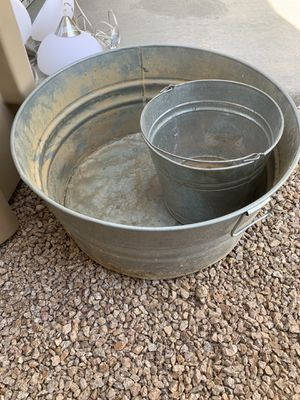 Metal buckets Free for Sale in Buckeye, AZ