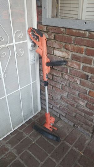 BLACK AND DECKER WEEDEATER for Sale in Fresno, CA