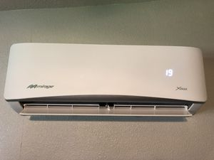 Mirage Xmax mini split ductless ac system 1 ton for Sale in Lancaster, CA