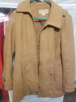 MICHAEL KORS Camel Color Women's Winter Jacket with gold zipper and removable hat; thick comfortable warm material for Sale in Detroit, MI