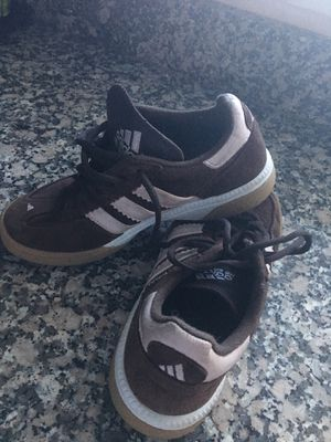 Adidas HB Spezial size 5 for Sale in Las Vegas, NV