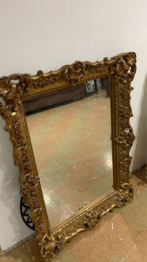 Heavy wall mirror for Sale in Parma Heights, OH