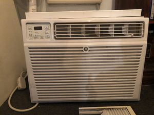 Very COLD XL Air Conditioner (15,000 BTUs) for Sale in Los Angeles, CA