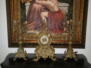 HEAVY BRONZE CLOCK WITH ITS TWO CANDELABRAS. for Sale in Miami, FL