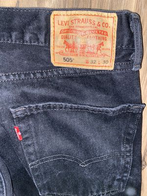 MENS LEVIS 505 REGULAR FIT JEANS SIZE 32x30 SEND ME AN OFFER for Sale in Huntington Beach, CA