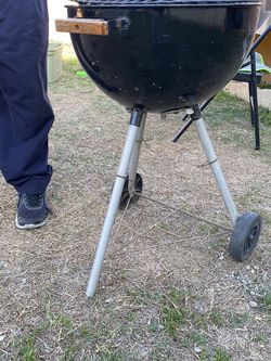 Small Charcoal Grill for Sale in City of Industry,  CA