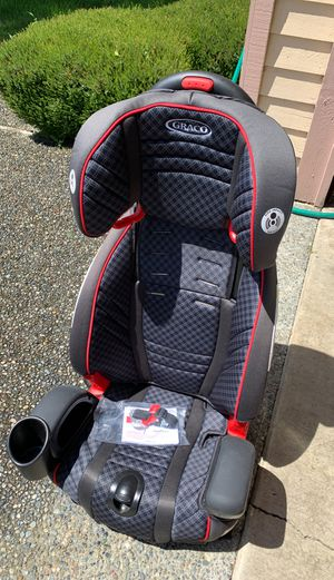 Graco Nautilus 2 in 1 car seat and booster for Sale in Issaquah, WA