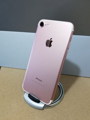 iPhone 7 Rose Gold Metro Pcs and Tmobile for Sale in Huntington Park, CA