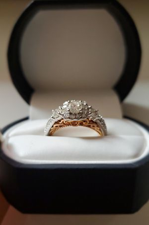 NEW NEGOTIABLE 14k White Rose Gold 1-1/4 CT Diamond Ring for Sale in Miami, FL