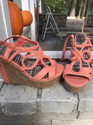 Size 7.5 coral wedge heels for Sale in Evansville, IN