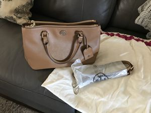 Tory Burch Robinson Leather satchel for Sale in Buena Park, CA