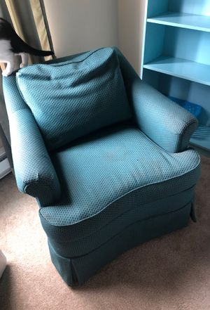 Free chair for Sale in Renton, WA