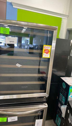Frigidaire FGWC52L3TS wine mini fridge 😱😱😱 for Sale in Houston, TX