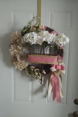 "18"" bicycle basket grapevine wreath. Handmade. for Sale in Rhinelander, WI"