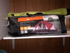8 person tent for Sale in Stockton, CA