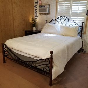 Very nice queen bed, mattress and nightstand.. for Sale in Tampa, FL