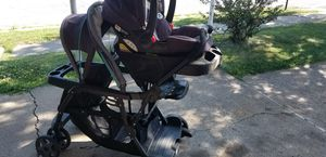 Graco ready2grow stroller/ carseat combo for Sale in Bethlehem, PA