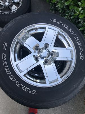 Wheel and tires for Jeep Grand Cherokee for Sale in Glen Allen, VA