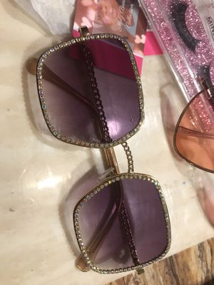 Beauty sunglasses for Sale in McDonough, GA