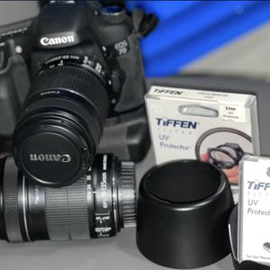 CANON EOS 7 D And GREAT accessories ! for Sale in Hollywood, FL
