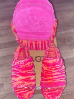 UGG BACKPACK & Slippers for Sale in Las Vegas,  NV