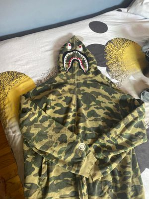 BAPE FULL SIZE UP HOODIE 2XL for Sale in Los Angeles, CA