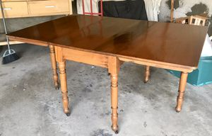Gorgeous Dining Table- perfect condition for Sale in Irvine, CA