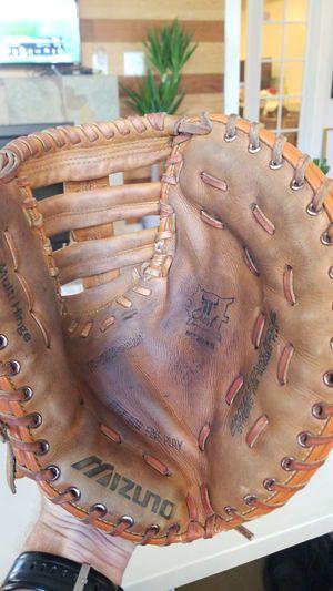 Mizuno MT3045 baseball 1st base glove for Sale in Seattle, WA