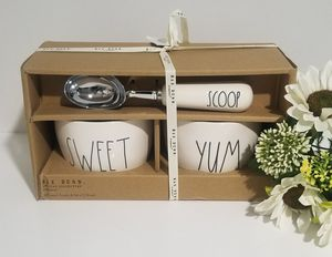 Rae Dunn ice cream set / farmhouse decor kitchen home storage for Sale in Compton, CA
