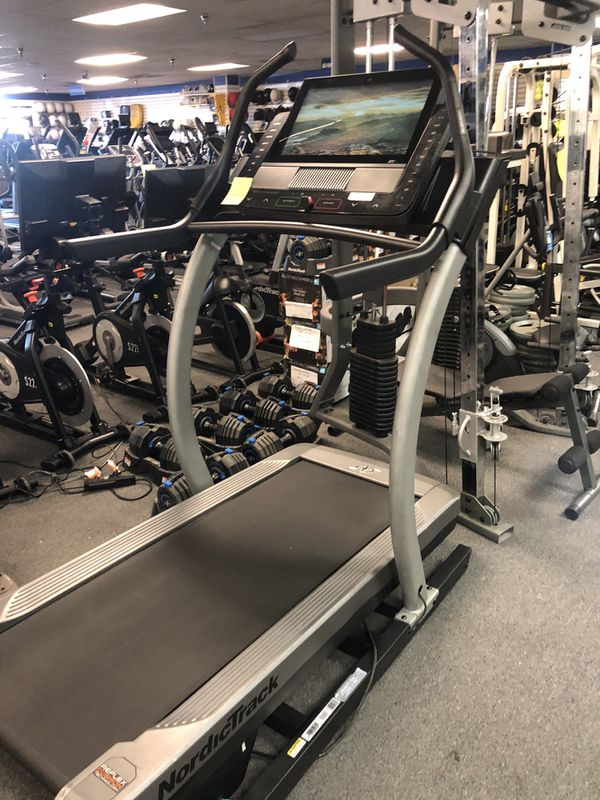 2020 NordicTrack X22i Incline Trainer - Warranty and Ifit Included