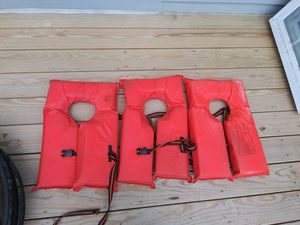 3 life jackets clean and rarely used for Sale in Lowell, MA