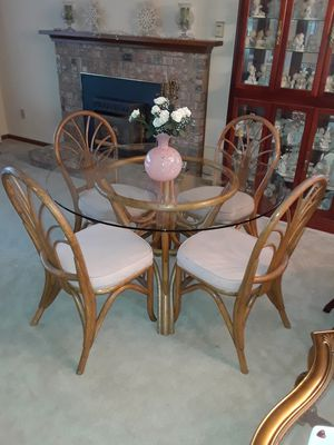 Glass Dining Room Table with Four Chairs in Kent for Sale in Kent, WA