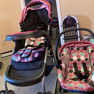 Disney Car seat and stroller for Sale in Greer, SC