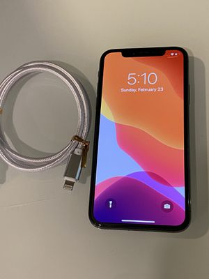 iPhone X black 64GB factory unlock for Sale in Los Angeles, CA