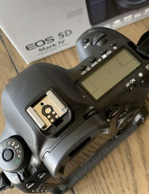 Canon EOS 5D MarkIV 30.4MP Digital SLR for Sale in Atlanta, GA