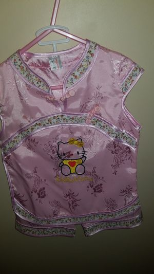 Hello kitty outfit age 4t for Sale in Henderson, NV