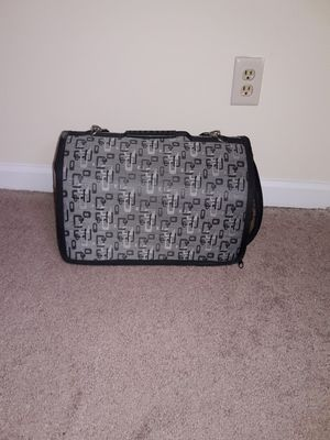 Cat carrier for Sale in Montgomery, AL